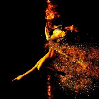Eine Tänzerin in kreativer Pose